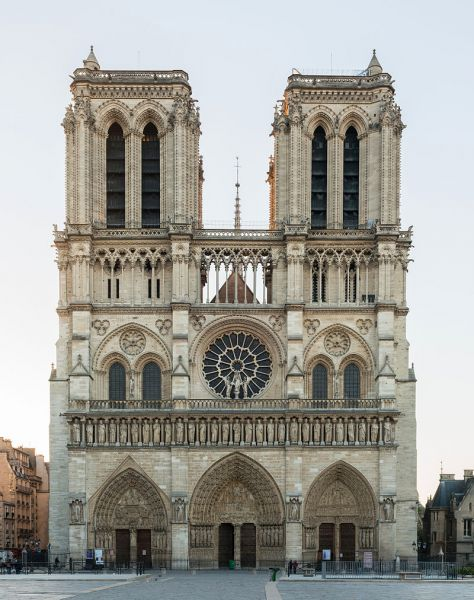 files/Templum/Artikel/Cathedrale_Notre-Dame_de_Paris,_20_March_2014.jpg